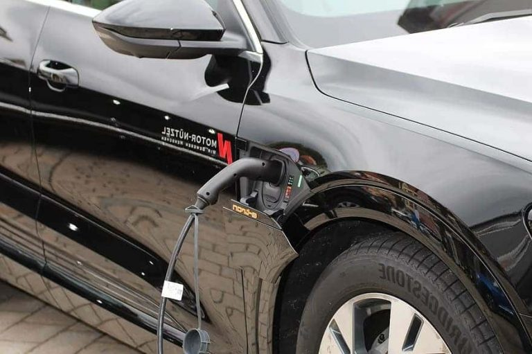 How Long Does It Take to Charge a Car Battery While Driving